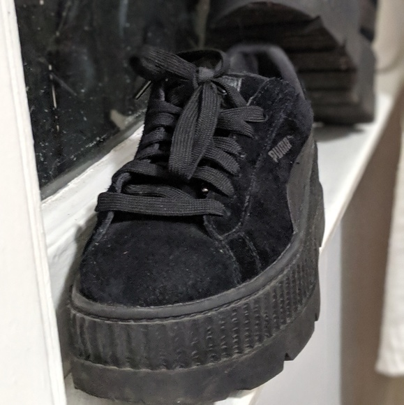 official photos 011ab 96a6f FENTY X PUMA platform sneakers